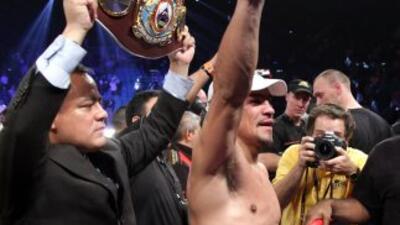 Boxeador mexicano Juan Manuel Márquez dedica su triunfo a Peña Nieto
