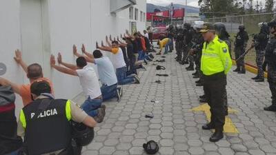 Arrestan a dos venezolanos y un cubano en Ecuador acusados de espiar al presidente de ese país