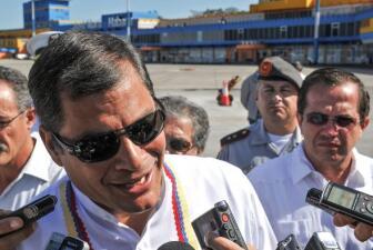 Rafael Correa visita a Chávez