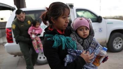 Gobierno de Trump separó a 249 niños en la frontera después de la orden de un juez que prohibió hacerlo
