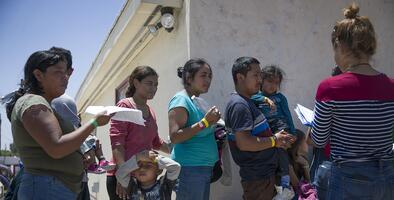 El pacto migratorio entre EEUU y Guatemala, una herencia de ruta incierta para el gobierno de Giammattei