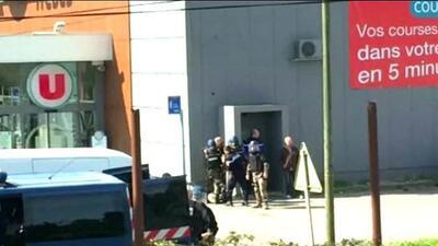 Tiroteo en supermercado de Francia deja al menos dos muertos