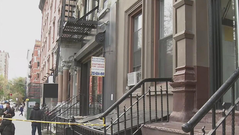 Investigan presunta pelea a cuchillo entre desamparados en un refugio de Nueva York que terminó en tragedia - Univision