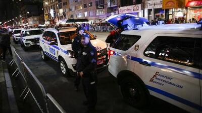 Policía de Nueva York refuerza medidas de seguridad para el tradicional desfile de Halloween