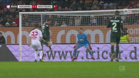 A minutos del final, Gerhardt le dio el triunfo al Wolfsburgo 2-3 ante el Augsburgo