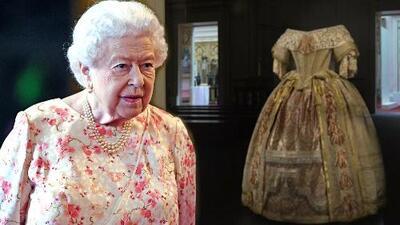 La reina Isabel II contempla en persona el vestido más impresionante de su tatarabuela la reina Victoria