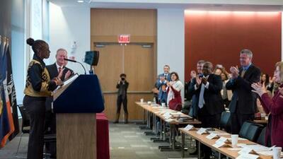 """Alcaldes """"azules y rojos"""" pactan en Nueva York para mejorar los servicios de salud mental"""