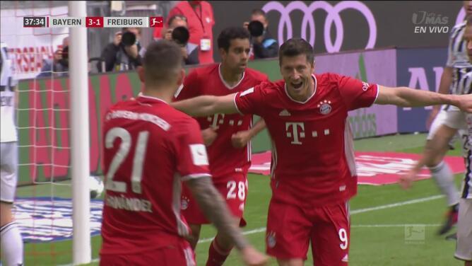 ¡33 goles en 33 partidos! Lewandowski termina un contragolpe letal y pone el 3-1 sobre Freiburg