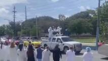 Caravana en Manatí honra la incansable labor de los enfermeros en su día