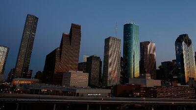 Houston vivirá una tarde de calor intenso y posibilidad de tormentas aisladas durante este lunes
