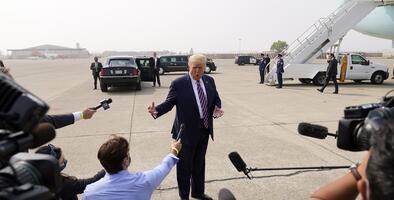 Presidente Trump culpa el manejo de los bosques y las hojas secas por los incendios forestales