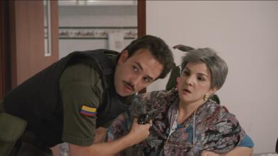 El Capitán Gavilán amenaza de muerte a la madre de Escobar