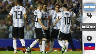 Messi encabeza goleada con hat-trick en la despedida de Argentina ante su afición