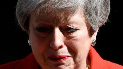 Entre lágrimas, Theresa May anuncia su dimisión tras el fracaso de su plan para el 'Brexit'