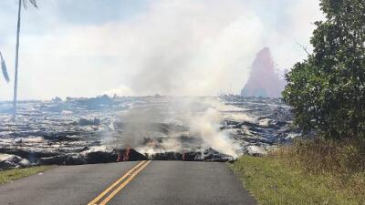 La lava del volcán Kilauea ya cubre parte de una planta geotérmica y nadie sabe qué puede pasar