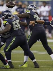 Los Seattle Seahawks evncen a los Patriotas 30-35 y desmuestran el gran momento que esta viviendo el equipo entero. Russel Wilson repitió dosis y lanzo cuatro pases de touchdown.