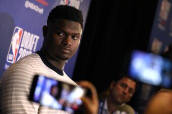 Así conviven las futuras estrellas del básquetbol en el Día de Medios del Draft de NBA