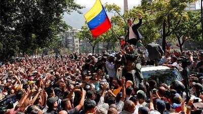 En medio de marchas, enfrentamientos y mucha incertidumbre, así están los venezolanos tras la llamada 'Operación Libertad'
