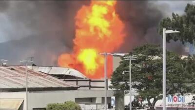 En video: Cientos de tanques de gas estallan en una planta industrial de Guatemala