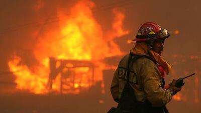 Un nuevo incendio forestal complica la situación de emergencia en California