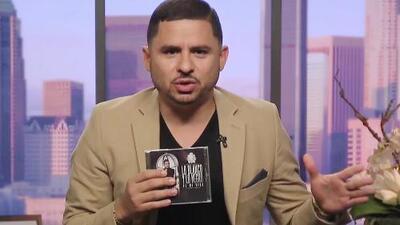 Larry Hernández cuenta lo blanco y lo negro de su vida con estas canciones que escribió en la cárcel