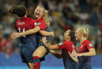 En fotos: Noruega avanza sobre Australia desde el punto penal en el Mundial femenino