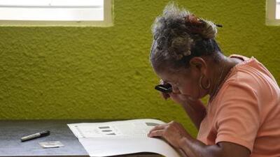 Puerto Rico vota por convertirse en estado de EEUU en un plebiscito marcado por una muy baja participación