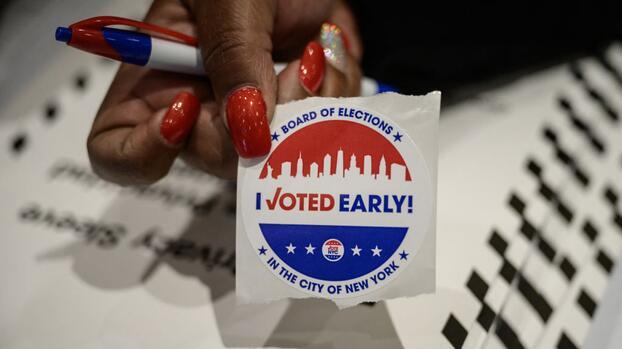 Nueva York elige candidatos a la alcaldía en primarias con nuevo (y complicado) sistema de votación