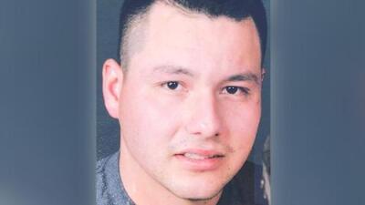 Padre hispano muere ahogado salvando a su hijo que montaba bicicleta y cayó a un canal
