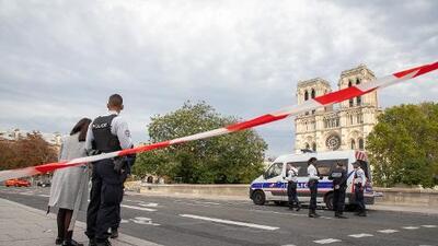 Sospechan que el atacante que mató a cuatro policías en París tenía vínculos con movimientos islamistas radicales