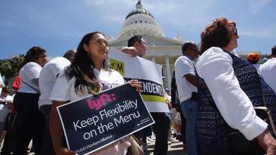 Fuerte golpe a Uber y Lyft: California aprueba iniciativa para reclasificar a contratistas como empleados