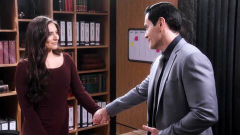 'Por amar sin ley' - El amor entre Alejandra y Ricardo está resurgiendo - Escena del día