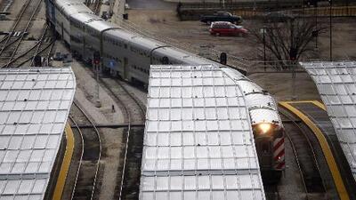 Tren de Metra se descarrila parcialmente en el centro de Chicago