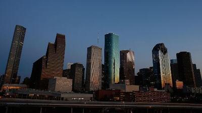 Se esperan aguaceros aislados para la tarde y noche de este martes en Houston, aunque el calor se queda
