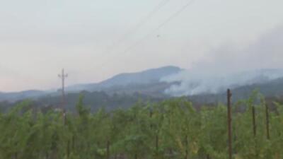 Se reactivan incendios en el área de Glen Ellen (California)