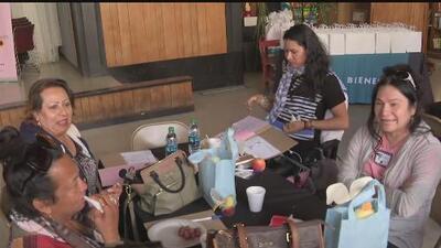 Mujeres transgénero en el sur de California reciben talleres para motivar su empoderamiento