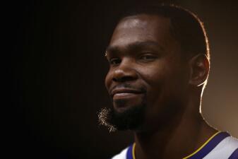 Kevin Durant dice que sus críticos 'simplemente lo odian' y no aprecian su talento