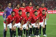 Soccer Football - Africa Cup of Nations 2019 - Group A - Egypt v Zimbabwe - Cairo International Stadium, Cairo, Egypt - June 21, 2019 Egypt players pose for a team group photo before the match REUTERS/Suhaib Salem