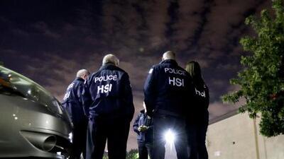 ICE inspecciona 77 negocios del norte de California en búsqueda de trabajadores indocumentados