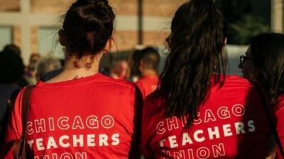 La falta de acuerdos deriva en que miles de maestros inicien una huelga en Chicago
