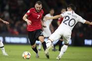 La Francia de Deschamps gana 0-2, con goles de Tolisso y Griezmann a Albania.