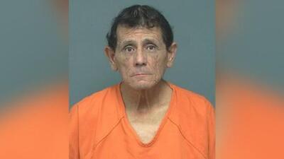 Acusan al conductor de un autobús escolar en Texas de solicitarle a un menor que cometiera un asalto sexual