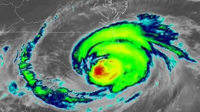 El ojo del huracán Florence está a punto de entrar implacable a Carolina del Norte