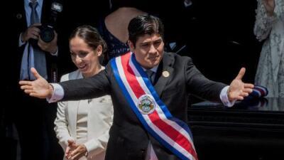 """En una ceremonia """"no contaminante"""", Carlos Alvarado se convierte en nuevo presidente de Costa Rica"""