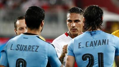 Luis Suárez y Diego Godín se solidarizan con Paolo Guerrero
