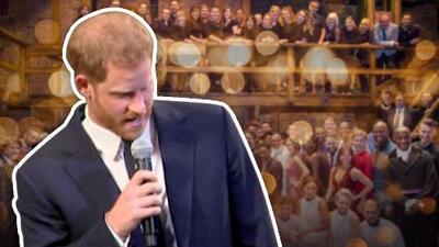 Todos pensaban que el príncipe Harry iba a empezar un discurso y sorprendió cantando