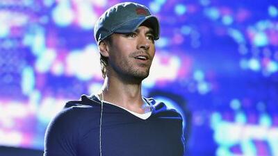 Enrique Iglesias se emocionó hasta las lágrimas al finalizar su concierto en Praga