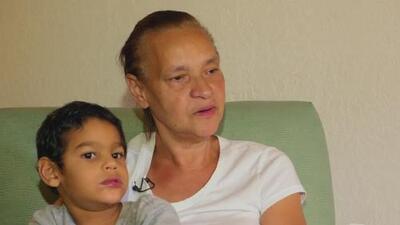 El drama de una abuela y su nieto enfermo al quedarse sin la ayuda de FEMA para afectados por María