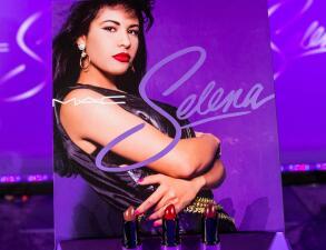 Vas a poder comprar el maquillaje de Selena Quintanilla que se agotó en septiembre en 24 horas