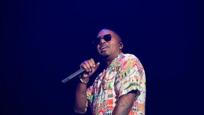 Nas keeps singing through technical difficulty